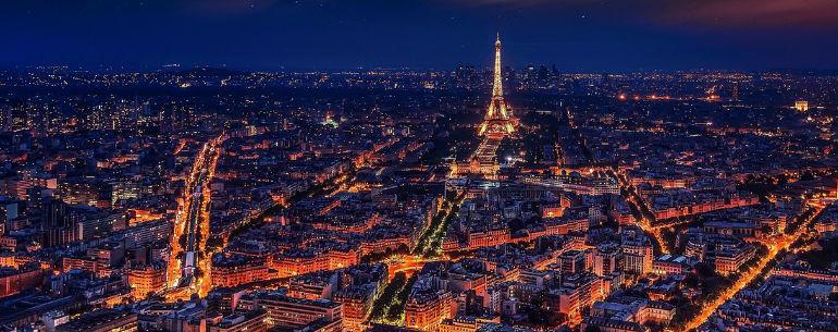 Pariz noću